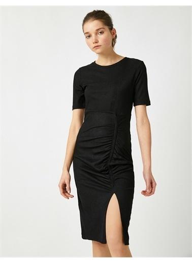 Koton Kisa Kollu Büzgü Detayli Yirtmaç Detayli Elbise Siyah